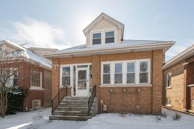 5141 W Newport Avenue W, Chicago, IL 60641 (MLS #10636066) :: Property Consultants Realty