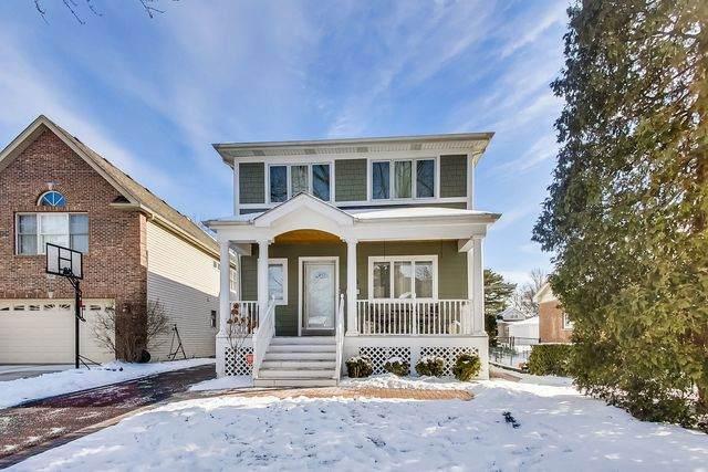135 N Walnut Street, Elmhurst, IL 60126 (MLS #10636320) :: Helen Oliveri Real Estate