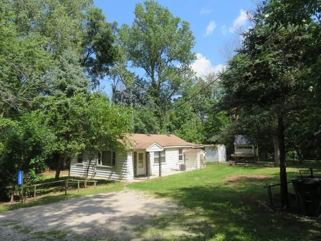 12303 233rd Avenue, Trevor, WI 53179 (MLS #10637317) :: Helen Oliveri Real Estate