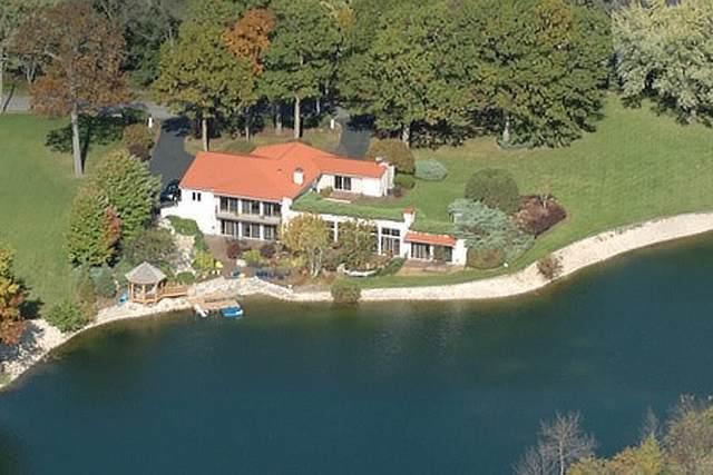 3010 N Bayview Lane, Mchenry, IL 60051 (MLS #10638288) :: Ani Real Estate