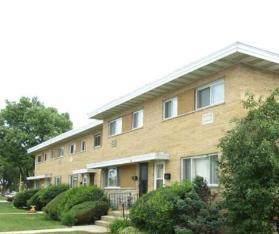 9666 Lois Drive F, Des Plaines, IL 60016 (MLS #10638326) :: Helen Oliveri Real Estate