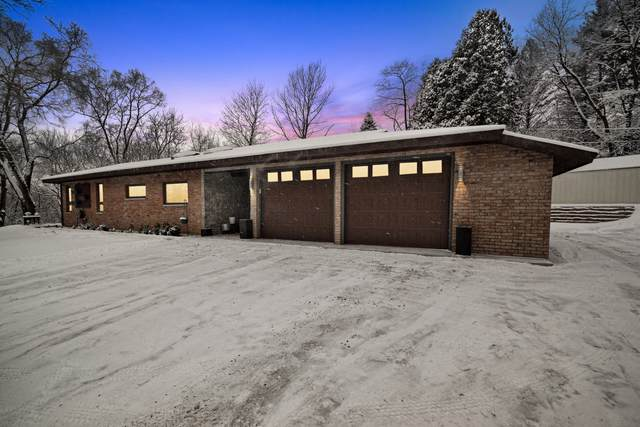 26044 N Lakeland Drive, Lake Barrington, IL 60084 (MLS #10638831) :: Ani Real Estate