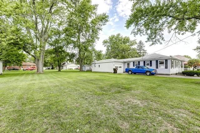 305 N 1st Street, Fisher, IL 61843 (MLS #10639266) :: Ryan Dallas Real Estate
