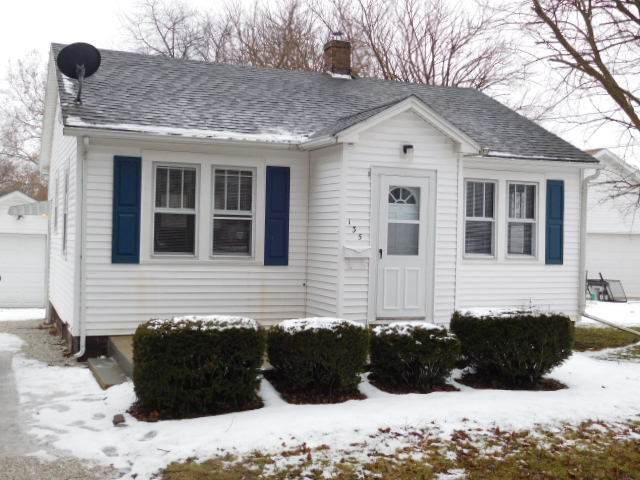 135 W 2nd Street, Streator, IL 61364 (MLS #10639657) :: John Lyons Real Estate
