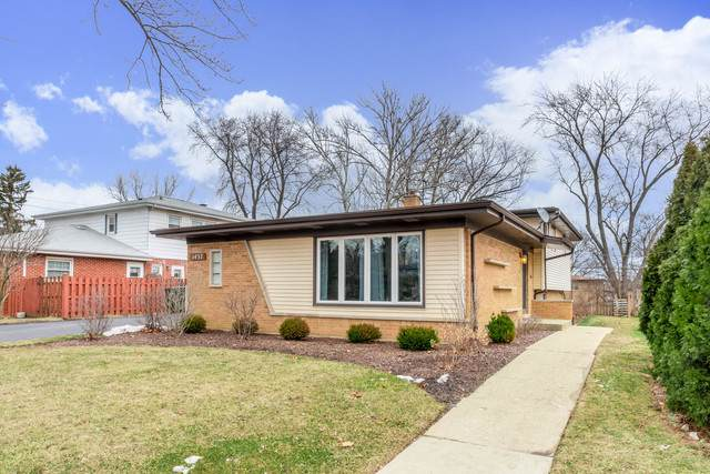 1437 N Vail Avenue, Arlington Heights, IL 60004 (MLS #10639703) :: Helen Oliveri Real Estate