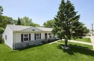 819 E Schaumburg Road, Streamwood, IL 60107 (MLS #10640165) :: Ani Real Estate