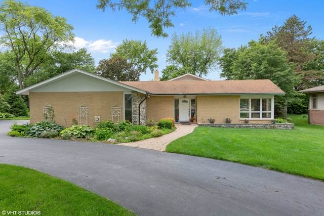 5 Dover Drive, Oak Brook, IL 60523 (MLS #10640894) :: Suburban Life Realty