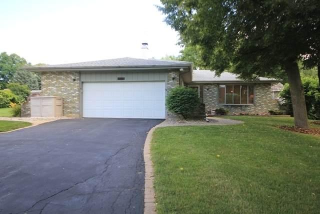 39W467 Hemlock Drive, St. Charles, IL 60175 (MLS #10642017) :: Lewke Partners