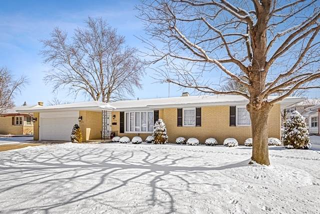 608 Tana Lane, Joliet, IL 60435 (MLS #10642941) :: Lewke Partners