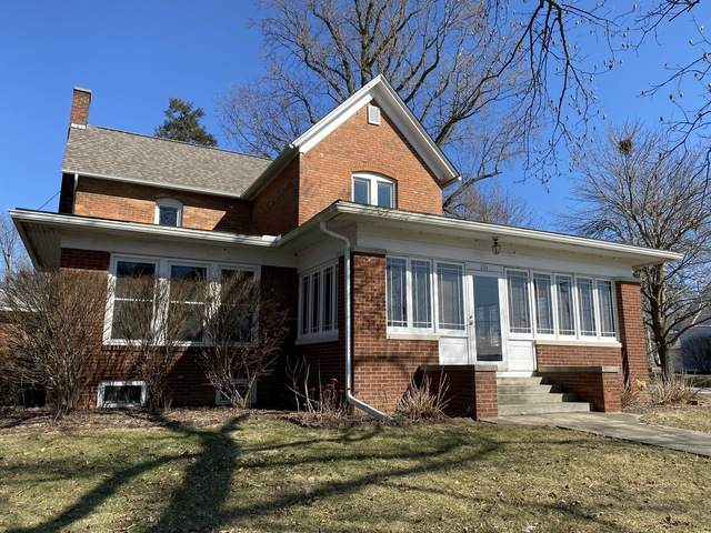 201 Monroe Street, Hopedale, IL 61747 (MLS #10643216) :: Property Consultants Realty