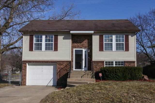 2002 Juniper Lane, Bloomington, IL 61701 (MLS #10643350) :: Jacqui Miller Homes