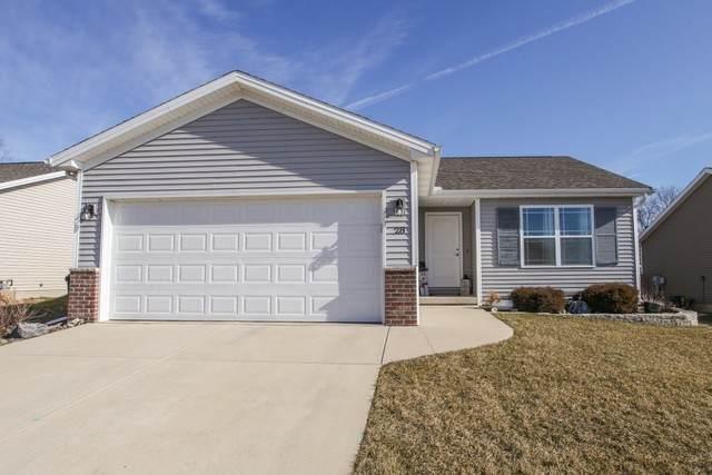 28 Winding Way, Bloomington, IL 61705 (MLS #10643379) :: Jacqui Miller Homes