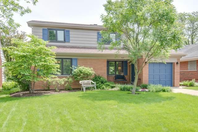 937 Brainard Avenue, La Grange, IL 60525 (MLS #10643774) :: Angela Walker Homes Real Estate Group