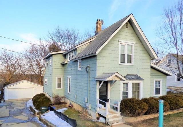 38 N Western Avenue, Carpentersville, IL 60110 (MLS #10645322) :: Angela Walker Homes Real Estate Group
