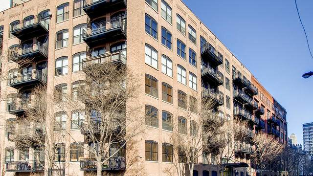 520 W Huron Street #210, Chicago, IL 60654 (MLS #10645673) :: Property Consultants Realty