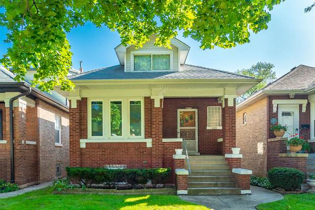4821 N Lowell Avenue, Chicago, IL 60630 (MLS #10647238) :: Property Consultants Realty