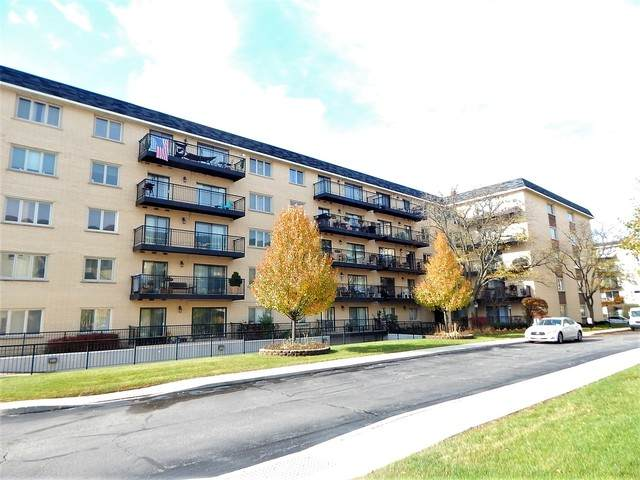 8610 Waukegan Road #210, Morton Grove, IL 60053 (MLS #10647349) :: Helen Oliveri Real Estate