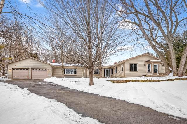 26047 N Lake Shore Drive, Barrington, IL 60010 (MLS #10647626) :: Helen Oliveri Real Estate