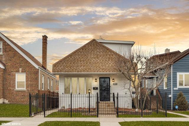 5426 N Mobile Avenue, Chicago, IL 60630 (MLS #10647749) :: Angela Walker Homes Real Estate Group