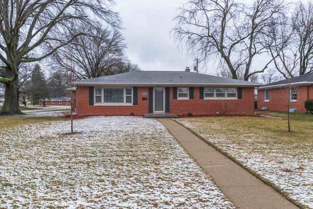 2302 E Jackson Street, Bloomington, IL 61701 (MLS #10648050) :: John Lyons Real Estate