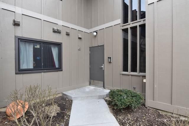 2S427 Emerald Green Drive 39-B, Warrenville, IL 60555 (MLS #10648080) :: The Mattz Mega Group