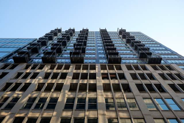 565 W Quincy Street #913, Chicago, IL 60661 (MLS #10649635) :: Littlefield Group