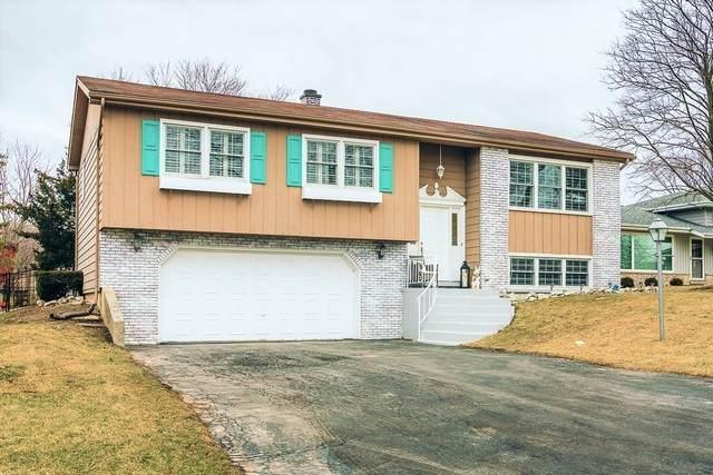 240 Robinson Lane, Westmont, IL 60559 (MLS #10650199) :: Helen Oliveri Real Estate