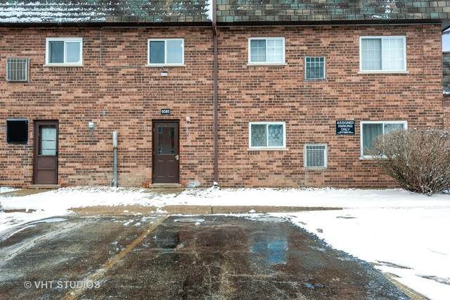 9385 Bay Colony Drive, Des Plaines, IL 60016 (MLS #10650241) :: Helen Oliveri Real Estate