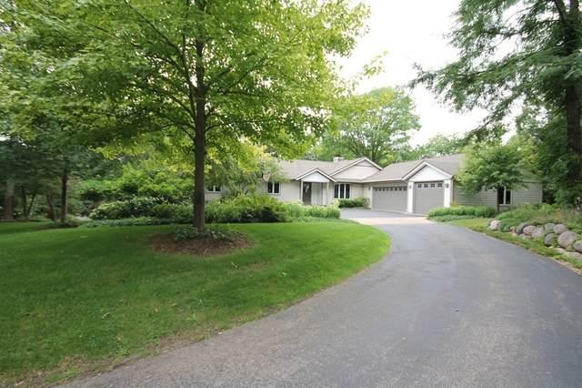 136 Cutter Lane, Lake Barrington, IL 60010 (MLS #10653479) :: Ani Real Estate