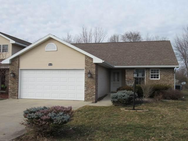 900B Kara Avenue B, ST. JOSEPH, IL 61873 (MLS #10659916) :: Helen Oliveri Real Estate