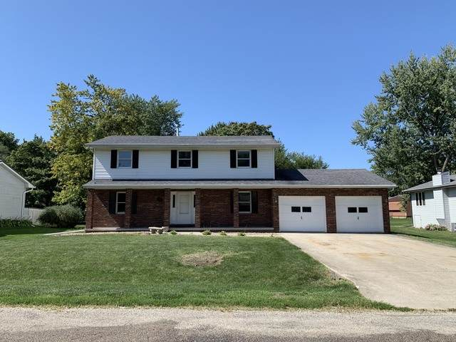 410 N Washington Street, Hudson, IL 61748 (MLS #10661012) :: BN Homes Group
