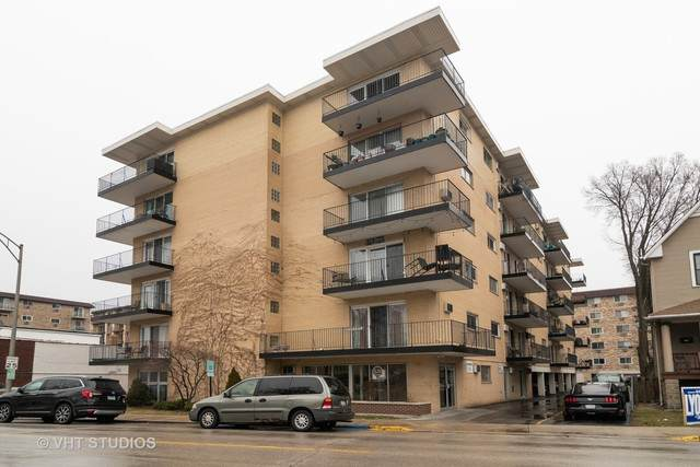 320 Circle Avenue #406, Forest Park, IL 60130 (MLS #10663185) :: Helen Oliveri Real Estate