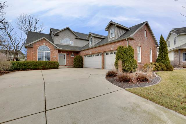 2012 Trotter Lane, Bloomington, IL 61704 (MLS #10663928) :: BN Homes Group