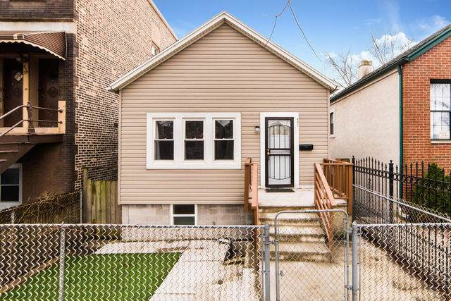 841 W 34th Street, Chicago, IL 60608 (MLS #10664292) :: Century 21 Affiliated