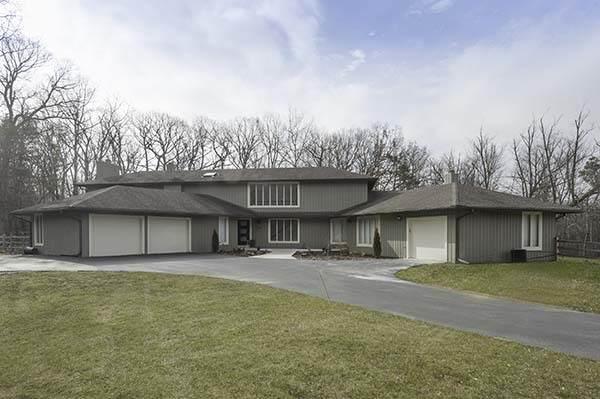2880 Riverwoods Court, Riverwoods, IL 60015 (MLS #10664762) :: Angela Walker Homes Real Estate Group