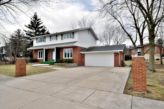 8806 Hillside Drive, Hickory Hills, IL 60457 (MLS #10665722) :: John Lyons Real Estate