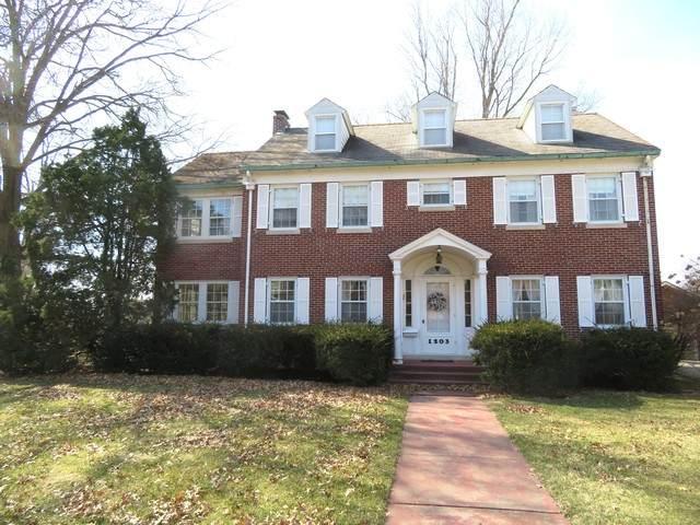 1203 Locust Street, Sterling, IL 61081 (MLS #10670243) :: John Lyons Real Estate
