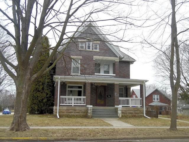 821 W 8th Avenue, Rochelle, IL 61068 (MLS #10671237) :: Suburban Life Realty