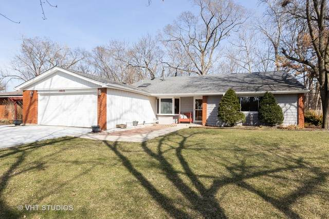 15605 Natalie Drive, Oak Forest, IL 60452 (MLS #10671949) :: Century 21 Affiliated