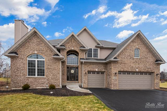 5226 Greenshire Circle, Lake In The Hills, IL 60156 (MLS #10672523) :: Helen Oliveri Real Estate