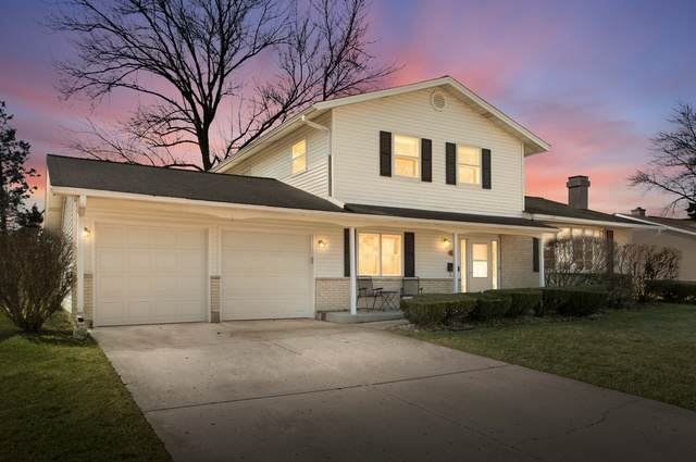 855 Pratt Drive, Palatine, IL 60074 (MLS #10672571) :: Jacqui Miller Homes