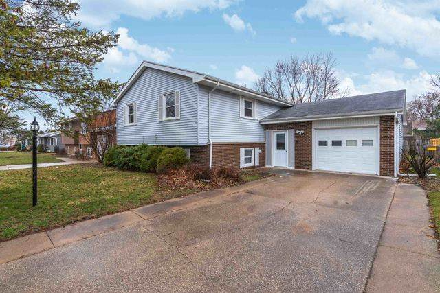 1206 N Kennedy Drive, Pontiac, IL 61764 (MLS #10673875) :: The Wexler Group at Keller Williams Preferred Realty