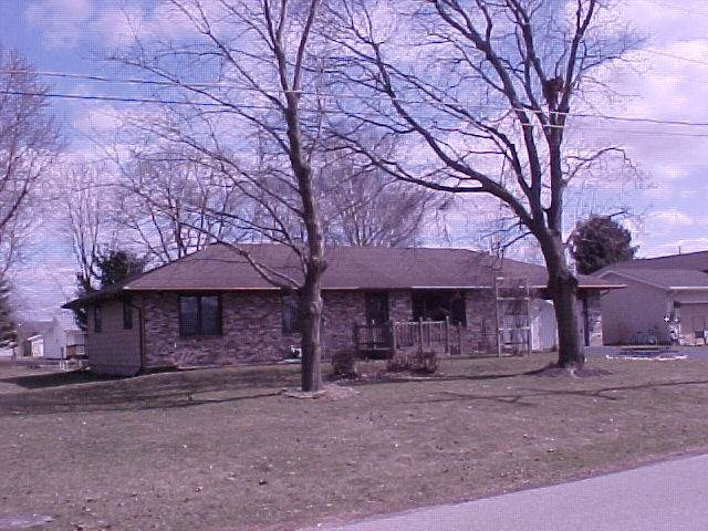 405 S East Street, Capron, IL 61012 (MLS #10674206) :: Jacqui Miller Homes