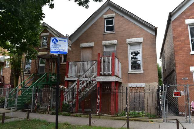 2732 S Christiana Avenue, Chicago, IL 60623 (MLS #10674708) :: Helen Oliveri Real Estate