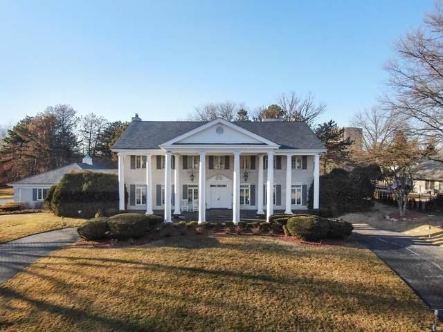 16 Royal Vale Drive, Oak Brook, IL 60523 (MLS #10675833) :: Angela Walker Homes Real Estate Group