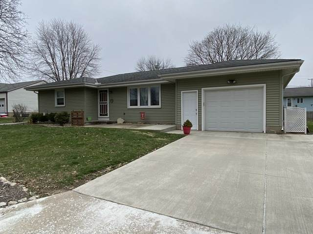 207 S Tazewell Avenue, Mackinaw, IL 61755 (MLS #10676670) :: BN Homes Group