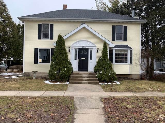 909 N 9th Street, Rochelle, IL 61068 (MLS #10677907) :: Suburban Life Realty