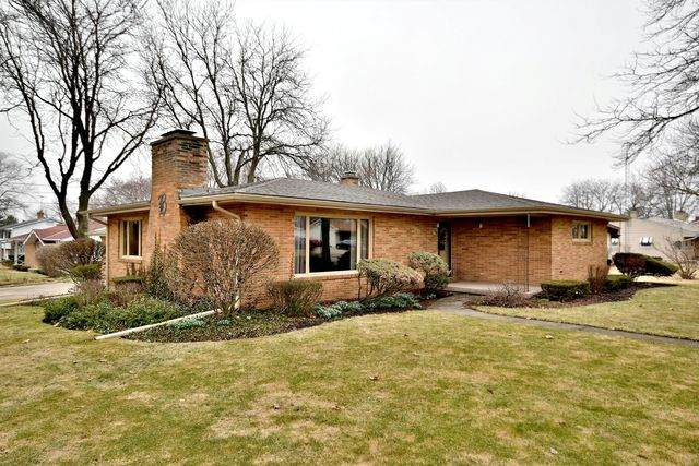1100 N Hayes Street, Harvard, IL 60033 (MLS #10678730) :: Helen Oliveri Real Estate