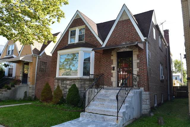 5317 W Cornelia Avenue, Chicago, IL 60641 (MLS #10679683) :: Suburban Life Realty