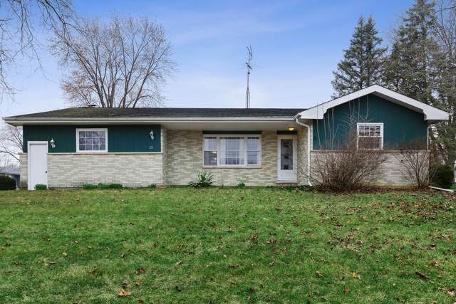 211 N Green Street, Mchenry, IL 60050 (MLS #10679891) :: Helen Oliveri Real Estate